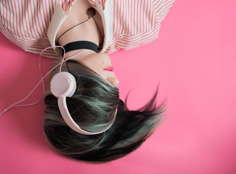 Was lautes Musikerlebnis per Kopfhörer im Ohr bewirkt